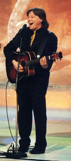 Lennart Grahn har medverkat i mängder av olika musikaliska sammanhang. Här från Melodifestivalen 1996.