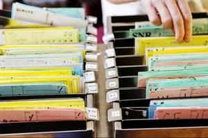 För att varje patient ska få den mat just hon eller han behöver så finns ett speciellt system med olika kort som fylls i.