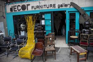 Decor Furniture gallery har kul och minst sagt udda möbler.