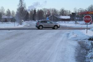 I Trafikverkets åtgärdspaket föreslås en gång- och cykelbro över riksväg 66 för att få en säker förbindelse mellan järnvägsstationen och tätorten Söderbärke.