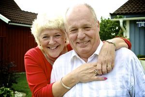 Livet gick snabbt vidare efter prostatacancern för både Hugo Tamm och hans fru Lena Stenström Tamm.