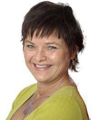 Beret Bertilsdotter Berggren åker till USA för att lära ut svensk folkdans.