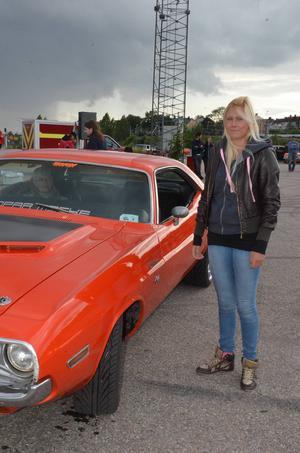 Madelene Collin från Bergsjö fick se sig slagen i finalen av Krantz Challenge. Hon körde pappas Dodge Challenger från 1970.