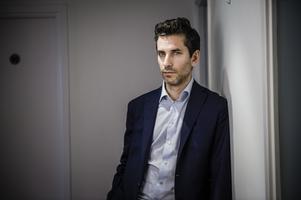 Deckarförfattaren Jens Lapidus har skrivit podcast för Sveriges radio.