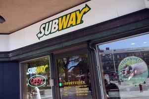 Guldsmedsbutiken hann inte stå tom länge innan Subway tog över.