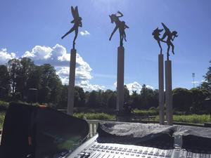 Musikern Marcus Wrangö tillsammans med Milles änglar, från fjolårets Elektronsöndag.