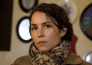 """Noomi Rapace gör sin bästa filmroll hittills i Pernilla Augusts """"Svinalängorna""""."""