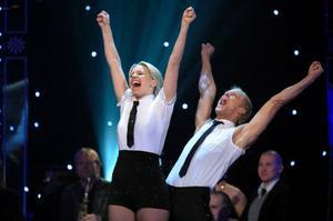 """Tv-kocken Tina Nordström med danspartnern Tobias Karlsson vann TV 4:s """"Let's dance"""". Ett program som har producerats utanför TV4-huset. Foto: Anders Wiklund/ScanpixTV 4-succén """"Körslaget"""" producerades av Meter Film & Television.SVT gör många egna dramasatsningar, men tv-serien """"Habib"""" har producerats av Jarowskij, som också står bakom """"Parlamentet"""" och """"Roomservice""""."""
