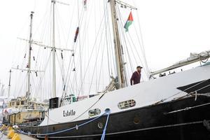 Slår fel. Skribenterna menar att Ship to Gaza är ensidigt antiisraelisk när det i stället är Hamas som hindrar freden.foto: scanpix