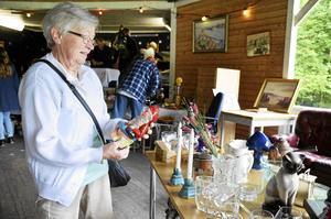 Lisbeth Andersson från Grängesberg har en passion för tomtar. Hon berättar att hon har över 300 stycken hemma hos sig, även om de bara tas fram till jul.