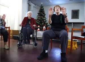 Margit Bolin är en av de 19 pensionärer som kommit till Margaretha Andersons sista ordinarie gympapass efter 40 år som Korpenledare.