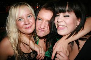 Konrad. Mirelle, Marika och Linn