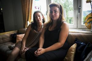 Dottern Malin Fredriksson och barnbarnet Jennifer Saara, är upprörda över hur Sören behandlats.
