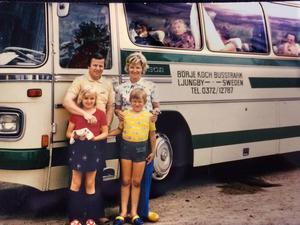 Familjen Koch anordnade bussturer under 1970-talet. Hela familjen följde med på resorna, som pågick hela sommaren. Fredrik Koch står framme till höger.   Foto: Privat