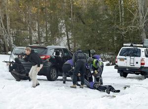 Ett så kallat Close protection team följer med och skyddar vid farliga utlandsuppdrag.
