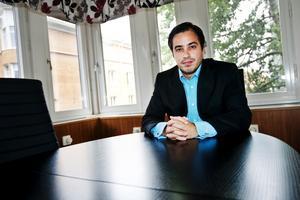 Juristen Jorge Concha är upprörd över att systemet i Sverige kring omhändertagandet av barn inte är mer rättssäkert.