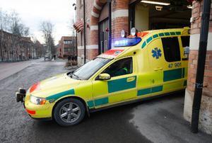 Länets ambulanser rullar många mil men i de fall ombesiktningar förekommer rör det sig om mindre fel, enligt ansvariga för servicen. De äldsta fordonen är två ambulanser från 2005 som byts ut till våren.