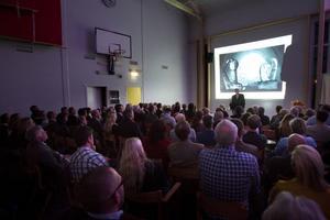 Isskulpturer och konst utgör en stor del av dagens ishotell, berättade grundaren Yngve Bergqvist.