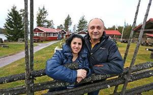 Paret Mirna Gossian och Bedros Kirakossian köpte serveringen för tre år sedan. Rastplatsen utsågs till Dalarnas bästa 2005 och 2007. Foto: Johnny Fredborg