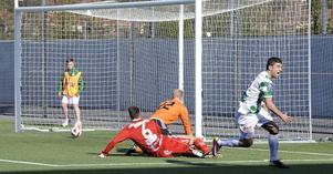 Målglad. Mattias Mete gör mål mot Värnamo för en dryg månad sedan. Forwardens målfarlighet har gjort att ett par klubbar specialstuderat honom i vår.