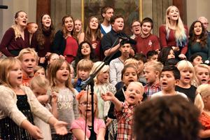 Orsa ungdomskör fick sjunga bakom potentiella kommande deltagare i ungdomskören.