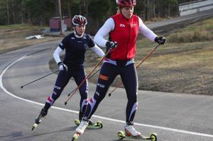Ida Ingemarsdotters lag var snäppet före Anna Olssons lag i sprintstafetten på rullskidor.   Foto: Thord Eric Nilsson