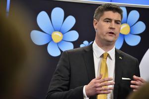 Sverigedemokraternas Oscar Sjöstedt,  ekonomisk-politisk talesperson, (SD) presenterar partiets budgetmotion under en pressträff i riksdagens presscenter.