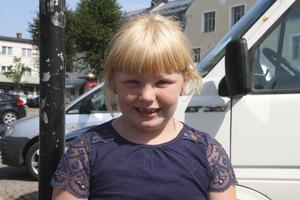 Änglah Ruutikainen, 6 år, Fagersta: – Att fika på Elsas.