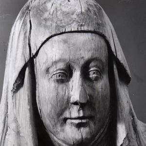 Helgonet Birgitta.  Träskulptur, 1390-tal, i Vadstena klosterkyrka. I torsdags hyllades hon med ett oratorium med nyskriven text av Gävleförfattaren Helene Rådberg.