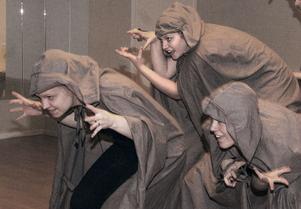 Danseleverna från Kaggeholms folkhögskola framförde en föreställning som handlade om våra fantasier och rädslor.