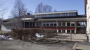 Huvudbyggnaden på folkhögskoleområdet är mest trolig för en företagsby. Även andra byggnader på området kan bli aktuella.