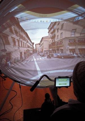 En cykeltur längs Florens häktiska gator kunde man passa på att ta sig – på Vallaskolan i går.