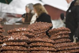 CHOKLAD. En av försäljarna tillhandahöll choklad i alla de varianter.