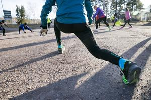 Spänst och rörlighet är nyckeln till ett bra löpsteg.
