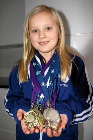 """Ebba Franzon. Gymnastiktjej i Kumla, och Kumlasajtens """"Månadens kumling"""" i januari 2012. BILD: HELÉNE BERZELIUS"""