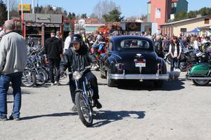 Mopeder fanns det också gott om, där ägarna tog sig spontana turer.