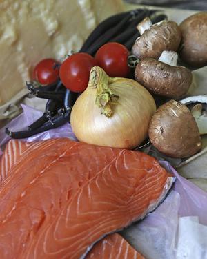 Bildtext 2: Umami - den femte smaken - finns naturligt i bland annat i långlagrad ost, fisk, svamp och tomater.    Foto: Dan Strandqvist
