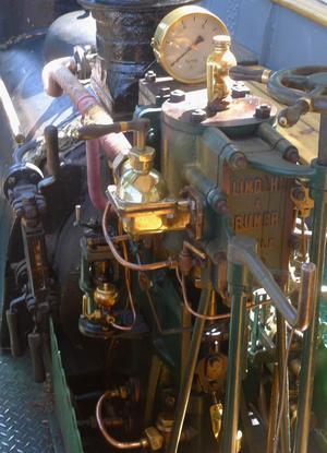 """Original. Ångmaskinen på """"Forsvik"""" som tidigare bar Davids namn är originalet från 1867."""