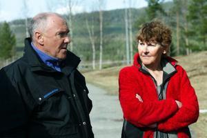 Jan-Olov och Marianne Bergström kunde aldrig tro att de och grannarna skulle få björn inpå knutarna.