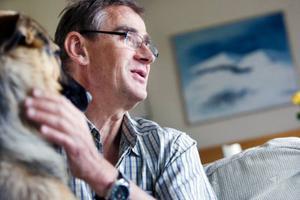 """""""Jag tror det blir ofrånkomligt att vi hamnar i att vård blir mer försäkringsfinansierad"""", säger Roger Olsson."""
