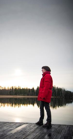 Christina miste sin make i bukspottkörtelcancer. Hans önskan var att få  sin aska utströdd i Haraldsjön, där hans kusins aska ströddes ut några år tidigare. Men myndigheterna säger nej.
