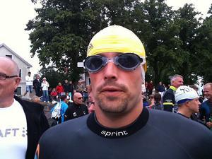 Mirre Eriksson är redo för den inledande simningen.
