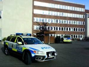 Polisen kunde efter en intensiv jakt under måndagskvällen gripa två misstänkta narkomaner i centrala Östersund.