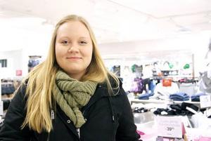 Sofie Carlsson, 18 år, Sandviken, studerande:– På lovet kommer jag att jobba en del på Kapp Ahl i Sandviken, sedan ska jag umgås med vännerna.