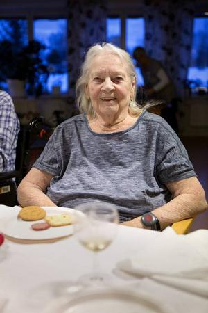 Ann-Mari Pihl bor på Häradsgården. Hon njöt av nyårsfirandet.