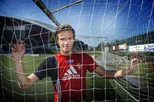 """Antingen eller. """"Du är antingen hjälte eller syndabock som målvakt, det är lite av charmen"""", säger Rickard Andersson."""