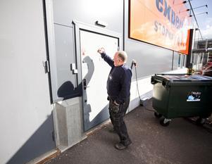 Tommy Sterner köpte en tvättmaskin, men hade inte dragkrok på bilen, så han skulle hämta den senare. Men nu har Expert gått i konkurs och på onsdagen var det ingen som öppnade dörren.
