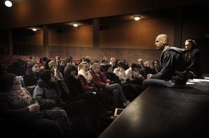 I Kilaforsbion pratade Bengt Erlandsson och Cecilia Bergqvist i smått om stora frågor.