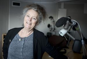 Kerstin Wixe arbetar för P1 med placering i Luleå/P4 Norrbotten, och var med när lokalradiostationerna drog igång.