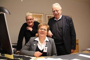 Politikerna Helena Brink och Lasse Molin är inte lika överens med Marita Wikström (sittande) som före jul.